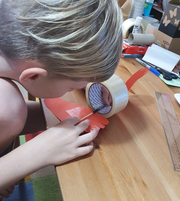 Making Parcel Tape Feet