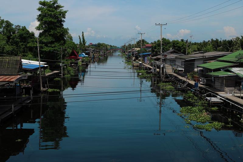 Doi Wai floating market