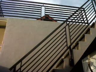 railling balkon dan tangga minimalis horizontal