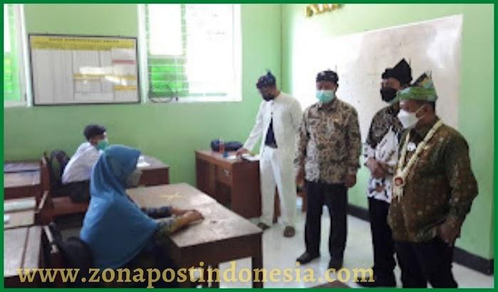 Bupati Situbondo Drs. H. Karna Suswandi, MM., beserta Jajaran Forkopimda, Lakukan Pemantauan Pembelajaran Tatap Muka (PTM)