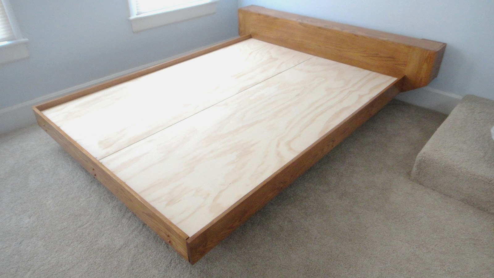 Diy Platform Bed Base The Tinkers Workshop The Platform Bed Project Is Completed