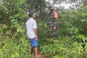 Babinsa Tingkatkan Patroli Karhutlah Dan Sosialisasi Bersama Warga Desa