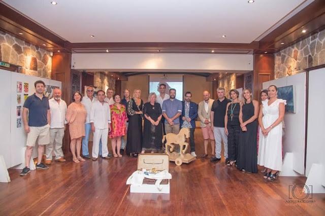 """Πλήθος επωνύμων επισκέφθηκε την έκθεση """"Τέχνες και Θέατρο"""" στο Ξενία Επιδαύρου"""