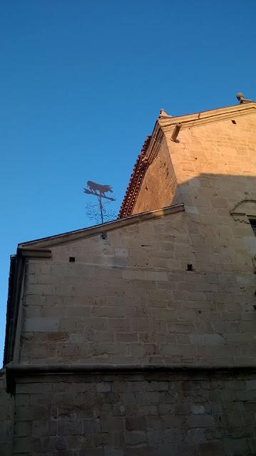 Beceite Teruel Torico veleta toro metal norte sur este oeste reloj