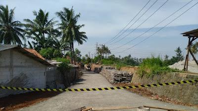 DBMSDA Kabupaten Tangerang Bangun Jalan Alternatif Jalan Longsor di Desa Tanjung Burung