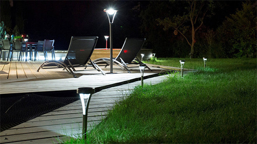 lampe et balise solaire de jardin borne et clairage. Black Bedroom Furniture Sets. Home Design Ideas
