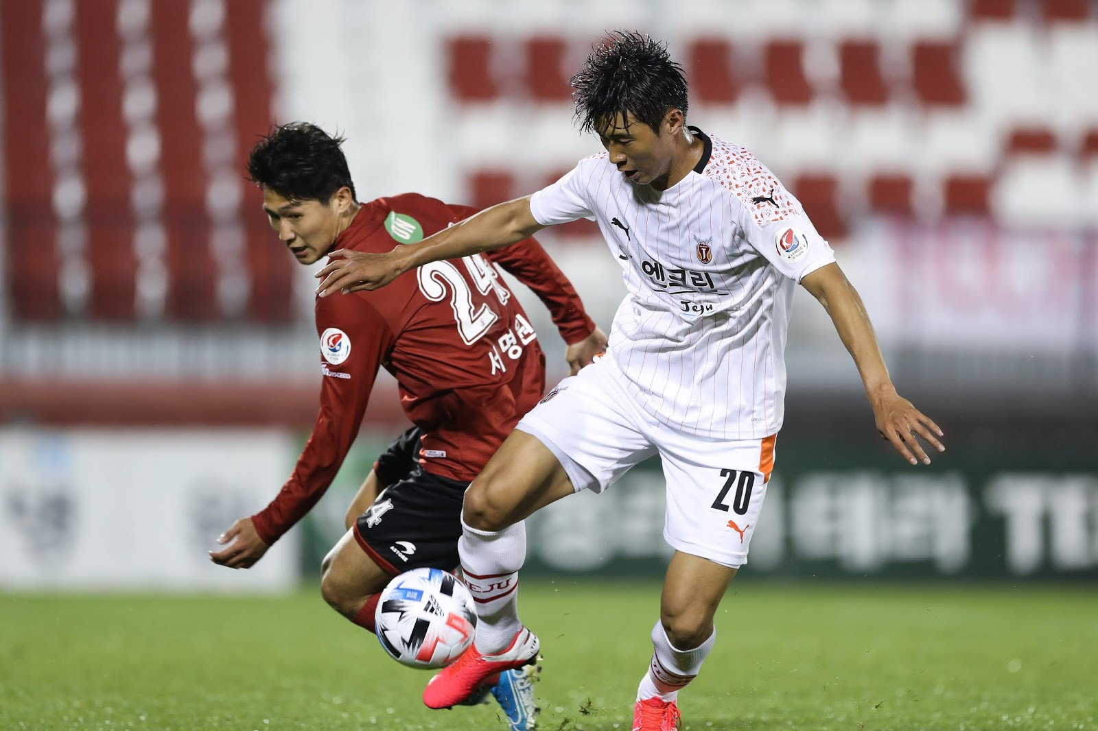 Lim Dong-hyuk in action against his former team. Bucheon FC 1995 vs Jeju United 05.26.20