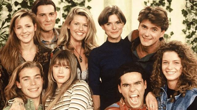 «Элен и ребята»: как выглядят актеры спустя более 25 лет и чем занимаются