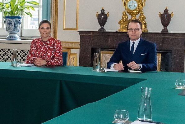 Crown Princess Victoria wore Dagmar Dora dress. Crown Princess Victoria wore Cravingfor Jeweller Stockholm baroque pearl earrings