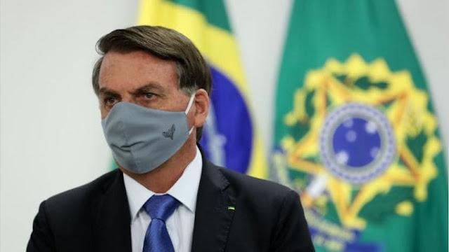 """""""Nadie está obligado a darse la vacuna"""", dice Bolsonaro a seguidores antivacunas"""