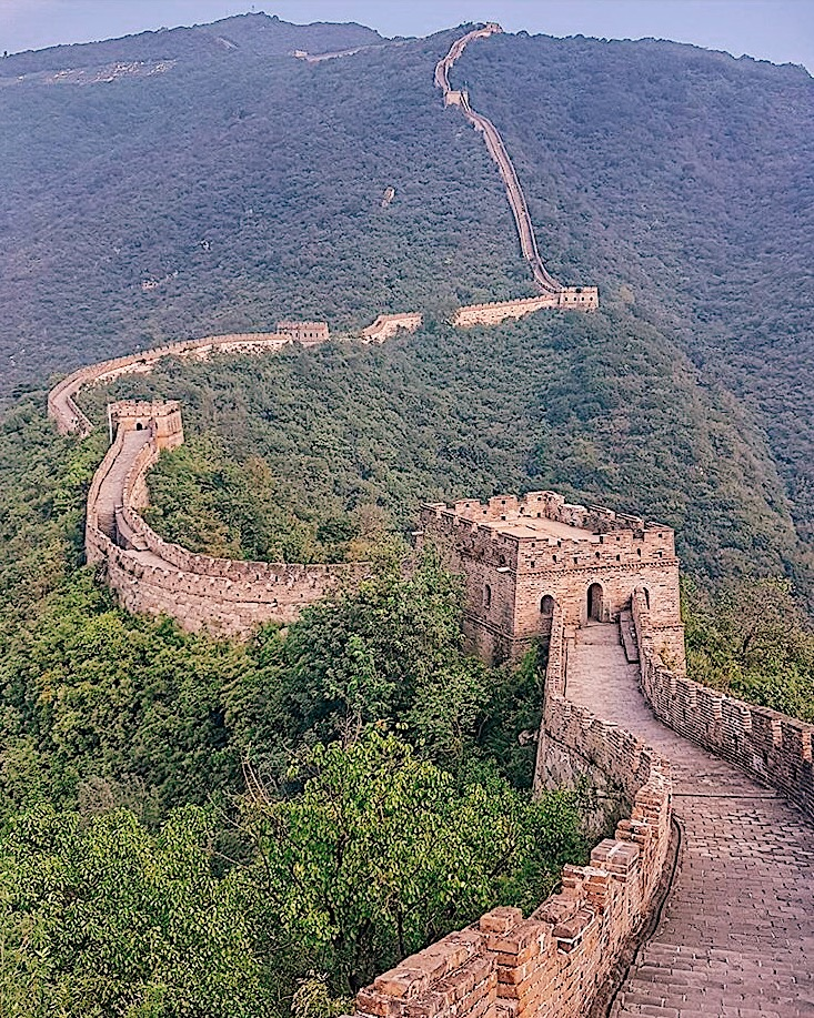 the great wall of china, some facts to know before traveling to china, fun facts about china, china guide, things to know before traveling to china, the china travel company, china, 2017 travel, destinations for 2017, china travel