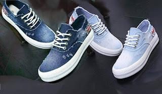 Model sepatu sneakers yang nyaman disukai mahasiswi