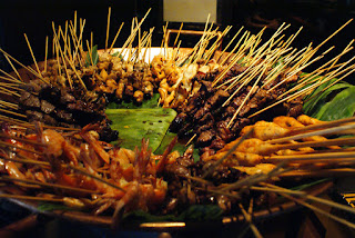 Sate Makanan Khas Indonesia Disukai Turist bule luar negri mancanegara