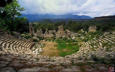 Sisa bangunan kuno Phaselis