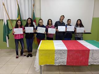 Colégio Estadual Marumbi entrega certificados do 1º Ano de Espanhol 2018