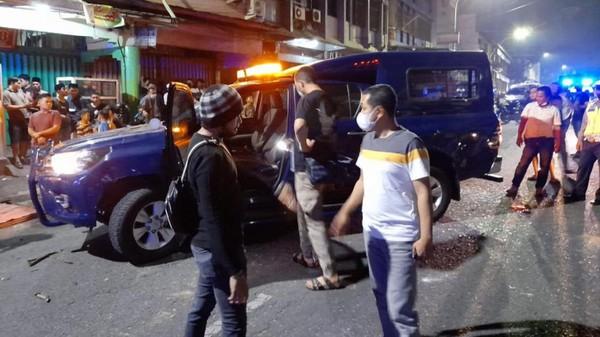 Mobil Dinas Bea Cukai Diserang Massa Tak Dikenal di Pekanbaru