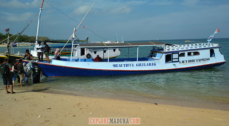 perahu jelajah gili labak gili genting pantai sembilan