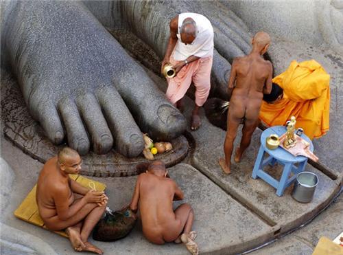 Giáo phái khỏa thân ở Ấn Độ