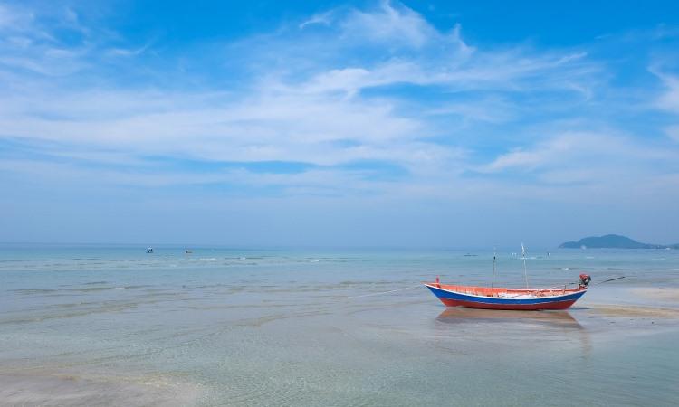 15 Wisata Pantai di Karawang yang Paling Hits Dikunjungi