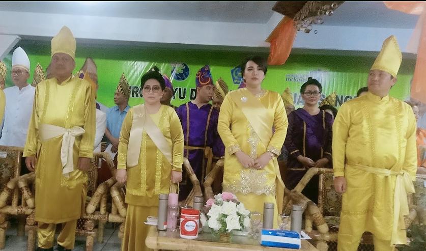 Hormati Kearifan Lokal, ODSK Pakai Pakaian Adat Kuning di