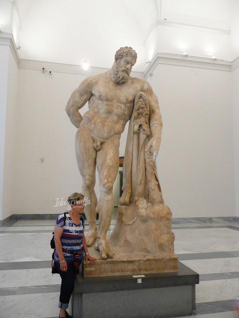Museo Arqueológico Nacional Nápoles Hércules Farnesio