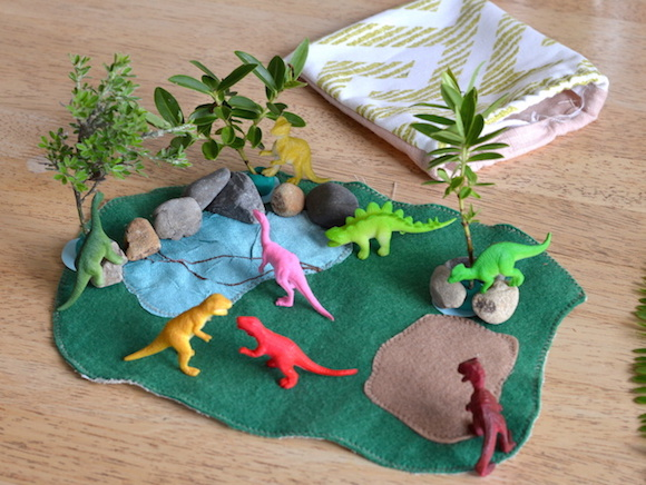 Easy DIY dinosaur play mat toy