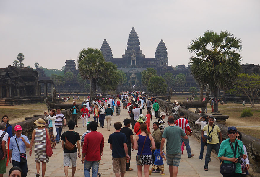Travel Expectations Vs Reality (20+ Pics) - Exploring The Pristine Temples Of Angkor Wat, Cambodia