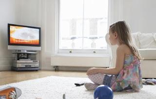 Waspadai Jika Anak Nonton TV Lebih dari 3 Jam Sehari