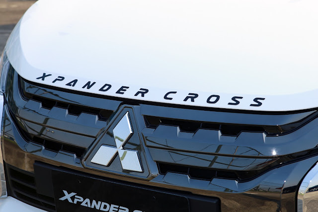 engine hood xpander cross
