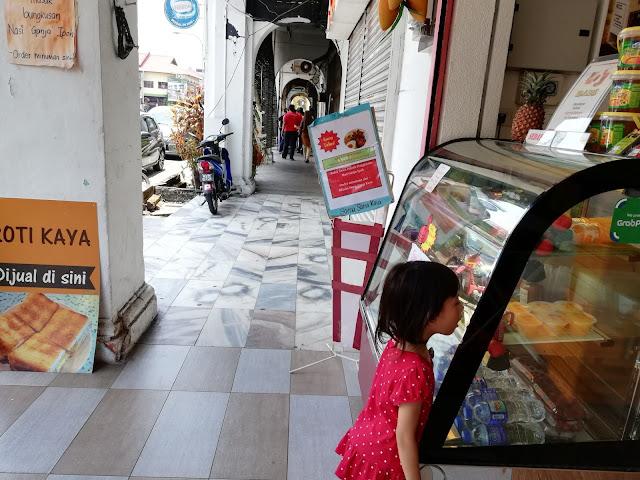 Jalan-jalan Cari Makan Nasi Ganja Ipoh Perak