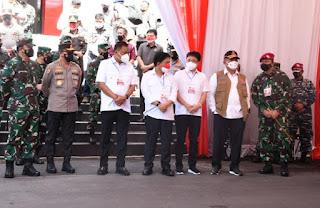 Danlantamal VIII Dampingi Panglima TNI Saat Kunjungan Ke Manado