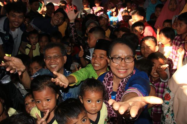 Sapa Anak - anak NTB, Menteri  Pesan Agar Rajin Belajar