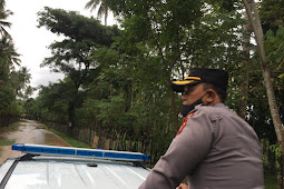 Emile Reisi Tei Hartanto dan Peronil Polres Bone Bolango Cek Lokasi  Banjir di Suwawa Selatan