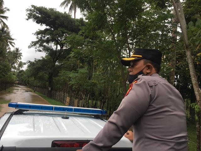 Emile Reisi Tei Hartanto dan Peronil Polres Bone Bolango Cek Lokasi Banjir di Suwawa Selatan.lelemuku.com.jpg