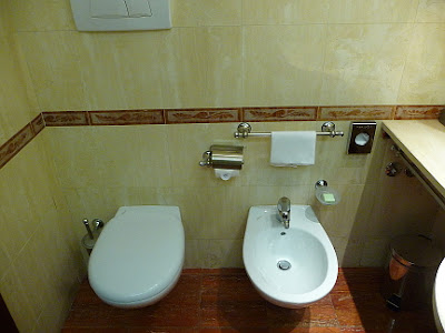 Milano (Italy) - NH Macchiavelli - Bathroom