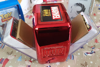 Marvel Top Trumps Quiz Packaging shiny double-sided card holder