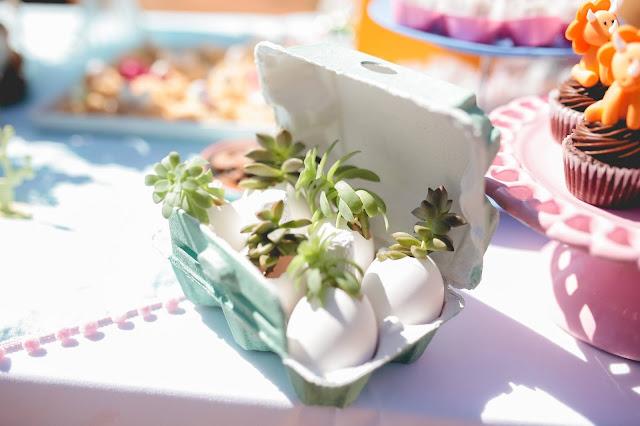 Aniversário Tema Dinossauro - Meninas - DIY - nacked cake - jarrinho de ovos - suculentas