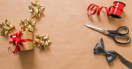 10 Tips for Perfectly Wrapped Presents