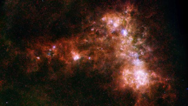 nuvens interestelares escuras