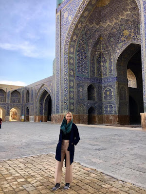 sfahan is Iran's most amazing city and its mosques, composed of giant domes and mind-blowing ceilings with extravagant geometrical forms, are the most impressive buildings in the Middle East, without any doubt.