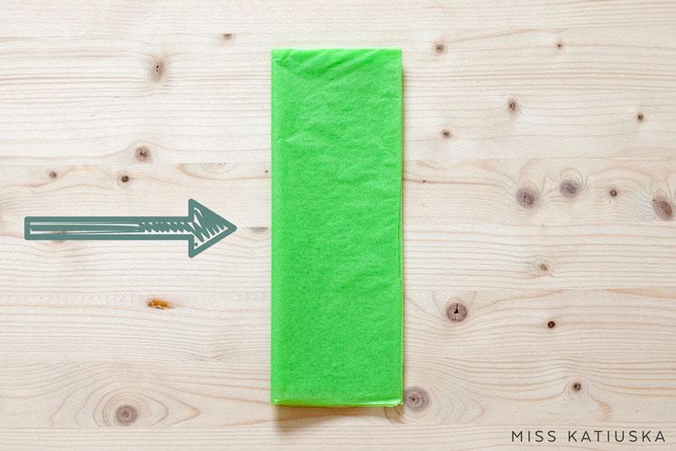 paso 3 diy guirnalda papel de seda