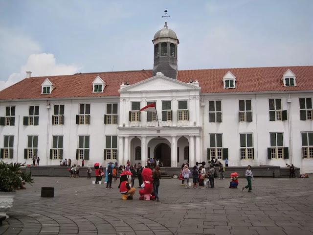 Traveling ke Kota Tua Jakarta