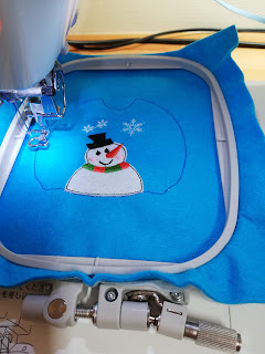 Sew the sweater placement line with embroidery machine