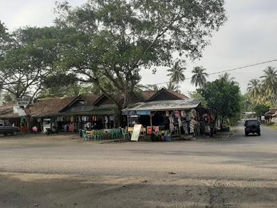 Area Perdagangan Pantai Batuhiu | Admin tuankecilberwisata