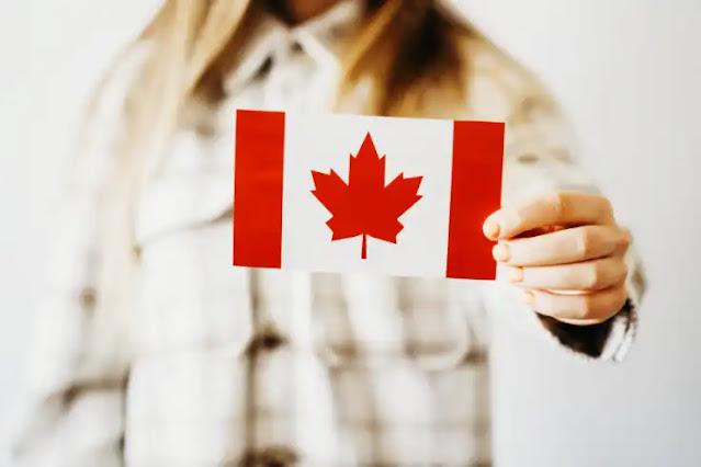 ما الذي يجب أن يعرفه غير المتزوجين من نفس الجنس والأزواج من جنسين مختلفين عند الهجرة إلى كندا