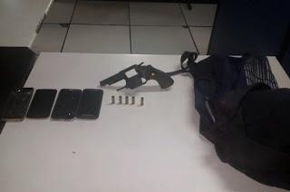 http://vnoticia.com.br/noticia/3162-bandidos-roubam-motos-em-sfi-e-na-fuga-trocam-tiros-com-a-pm-em-campos