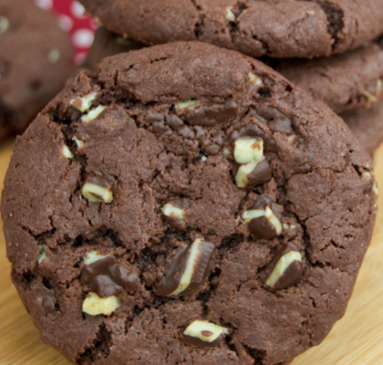 Mint Chocolate Andes Cookies #dessert #cookies