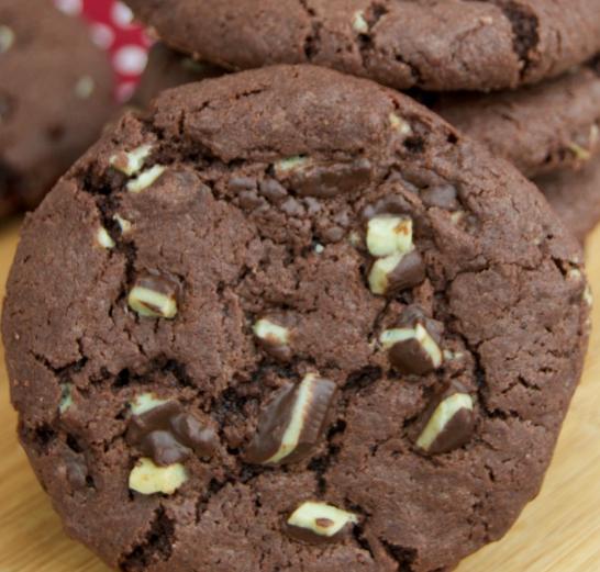 Mint Chocolate Andes Cookies #dessert #cookies