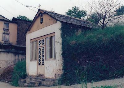 Capilla de Santa Bárbara de Merou, Boal