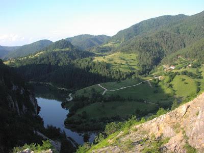 lepa-jezera-srbija-prirodne-lepote-spajiceva-jezerce-gde-ici-preljubnici